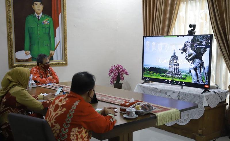 bupati-winarti-video-conference-dengan-bpkp-020720.jpg