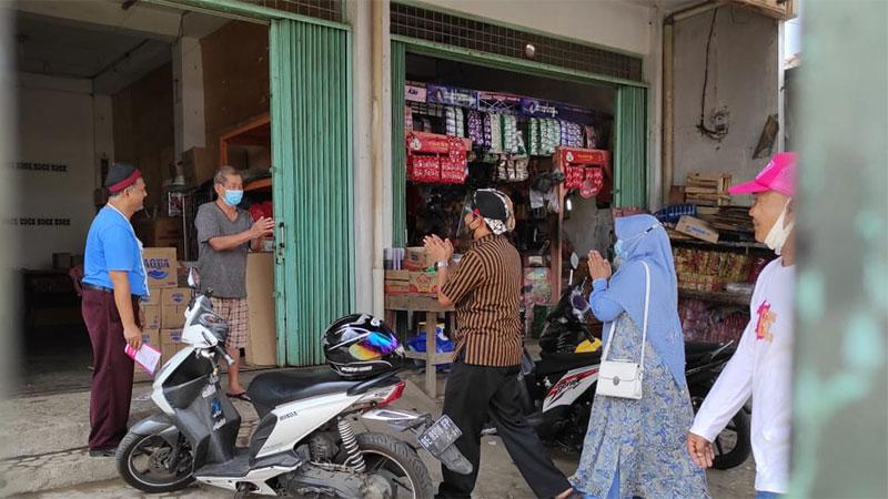 warga-pasar-titip-metro-ke-mufti-salim.jpg