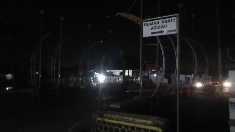kondisi-jembatan-metro-gelap-saat-malam.jpg